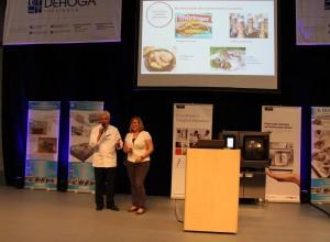 Prof. Dr. Wetzel und Jasmin Eitzenberger auf der Hauptbühne der inoga