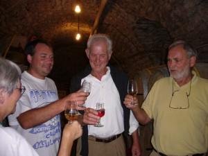 Ausgelassene Stimmung bei der Weinprobe mit Jurawein (Foto: Andreas Lotter)